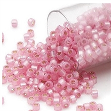 Delica seed beads i smuk silver-lined opal pink, 7,5 gram. DB0625V