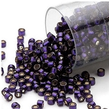 Seed beads, Delica 11/0, silver-lined dark purple, 7,5 gram. DB0609V