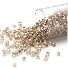 Seed beads, Delica 11/0 champagne 7,5 gram. DB0907V