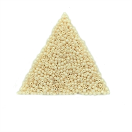 Seed beads, TOHO, 11/0, opaque luster light beige, 7,5 gram. (TR-11-123)